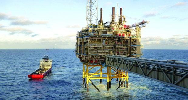 الخام العماني دون 73 دولاراً والأسعار العالمية ترتفع بعد تراجع مخزون الوقود الأميركي