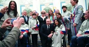 لندن : الدبلوماسيون الروس المطرودون يغادرون إلى موسكو