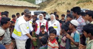 الهيئة العمانية للأعمال الخيرية توزع مساعدات غذائية بمخيمات اللاجئين الروهينجا ببنجلاديش