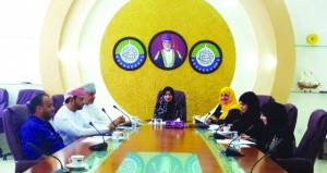 لجنة تنظيم سوق العمل بفرع الغرفة بالظاهرة تعقد اجتماعها الأول