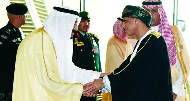 خادم الحرمين يستقبل فهد بن محمود