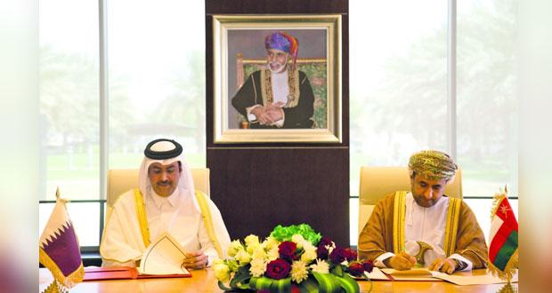 التوقيع على بروتوكول تعديل اتفاقية النقل الجوي بين السلطنة وقطر