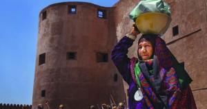 جوخة الريامـــية تحرز المركز الأول في مسابقة التصوير الضوئي بإزكـــي