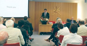 أمين عام مجلس التخطيط يشرح الرؤية الشاملة للسلطنة وفق الخطة الخمسية التاسعة ودور مجلس التخطيط فيها
