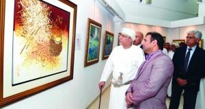 """100 لوحة فنية تشكيلية في معرض """"طيف للفن التشكيلي الباكستاني المعاصر"""""""