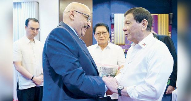 الكويت تطرد السفير الفلبيني وتستدعي سفيرها في مانيلا