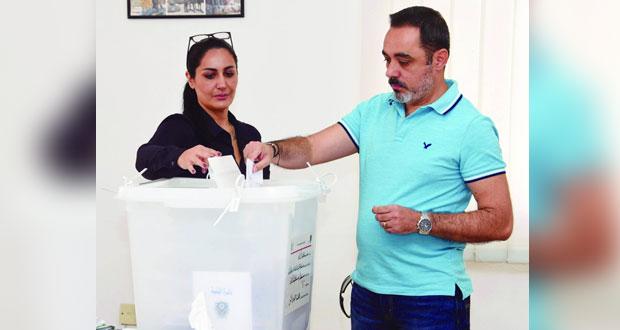 مع بدء الانتخابات النيابية للمغتربين .. اللبنانيون بالسلطنة يدلون بأصواتهم