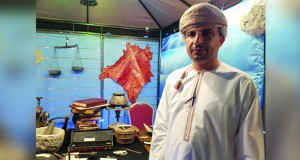 الباحث خالد الخروصي : صناعة الكتاب من الحرف والصناعات المندثره تمامًـا وسلاح الجو السلطاني العماني يسعى لإحيائها