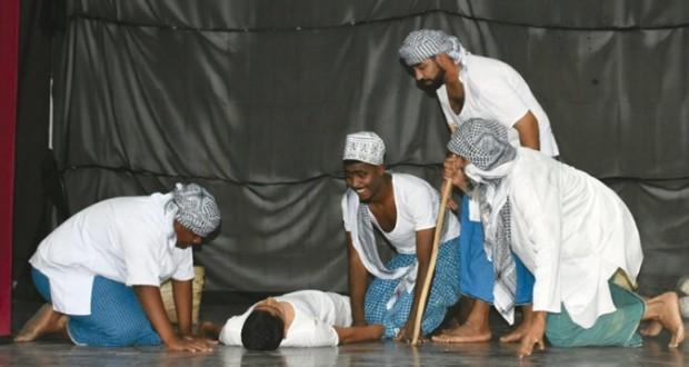 احتفالية ثقافية فنية متنوعة بنادي الشباب بولاية بركاء