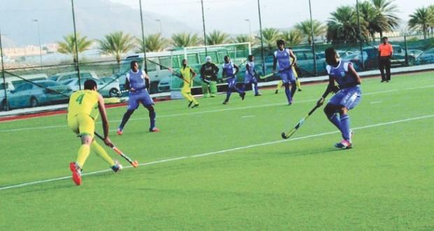 تواصل استعدادات الفرق المتأهلة إلى الأدوار النهائية لدوري الهوكي