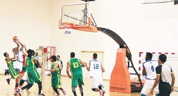 نزوى يفوز على السيب في منافسات درع وزارة الشؤون الرياضية لكرة السلة