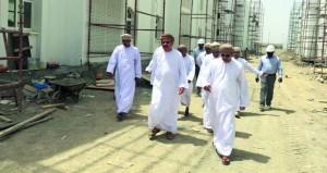 متابعة عدد من القطاعات الخدمية البلدية في محافظة مسقط
