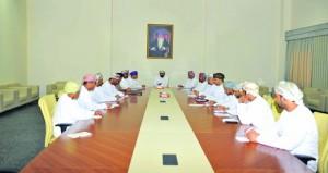 وكيل وزارة الشؤون الرياضية يجتمع مع رؤساء اللجان الرياضية