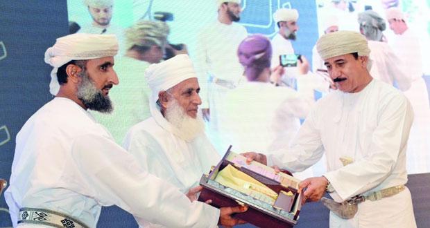 وزير المكتب السلطاني يرعى حفل تدشين (مؤسسة الإمام جابر بن زيد الوقفية) بمركز عمان الدولي للمؤتمرات والمعارض