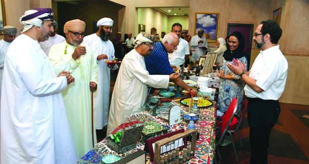جامعة السلطان قابوس تنظم معرض الجاليات والطيبين