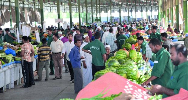 السوق المركزي للخضروات والفواكه يعود إلى تواقيت العمل سابقا