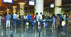 5.3 مليون عدد الركاب القادمين والمغادرين والترانزيت بمطاري مسقط الدولي وصلالة بنهاية أبريل