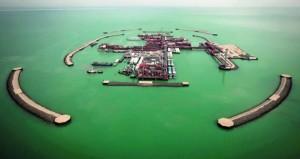 """""""ساكسو بنك"""": ارتفاع النفط يزيد تضخم السلع الرئيسية وأسعار الذهب تتجاوز مستوى 1300 دولار للأونصة"""