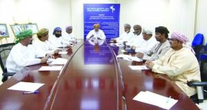 لجنة المصورين الصحفيين بجمعية الصحفيين العمانية تناقش تنظيم معارض محلية ودولية