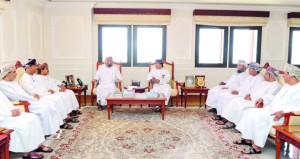 رئيس الهيئة العامة للإذاعة والتلفزيون يلتقي بأعضاء مجلس إدارة جمعية الصحفيين العمانية