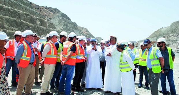 وزير النقل والاتصالات يتابع سير العمل بالأنفاق والجسور على طريق بدبد ـ صور