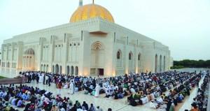 العادات العمانية في شهر رمضان تجسّد مفاهيم التسامح والإخاء والألفة والمودة