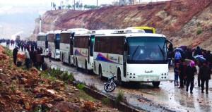 سوريا: إخراج دفعة خامسة من مسلحي جنوب دمشق وتحضيرات لإجلاء مسلحي ريفي حمص وحماة