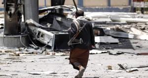 اليمن : أنصار الله تتحدث عن قرابة مليار دولار خسائر موانئ البحر الأحمر