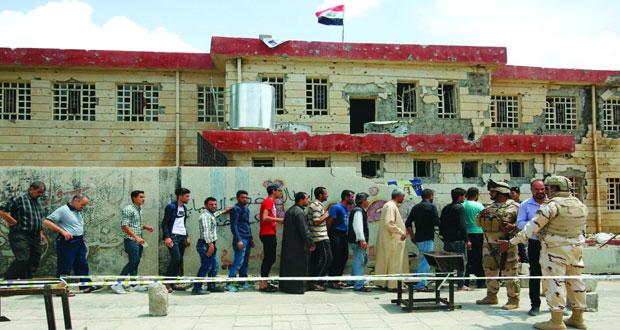 العراقيون ينتخبون برلمانا جديدا ..وسط آمال بالتغيير للنهوض بالعراق