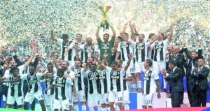 في الدوري الإيطالي : وداع بوفون يطغى على تتويج يوفنتوس