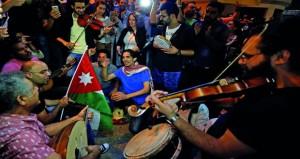 الأردن: الملك يدعو الرزاز إلى مراجعة شاملة لقانون ضريبة الدخل