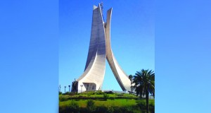 مقام الشهيد .. سعفاتٌ ثلاث تروي تاريخ الجزائر