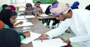 الجمعية العمانية للفنون التشكيلية تستعد لدوراتها الصيفية لطلبة المدارس