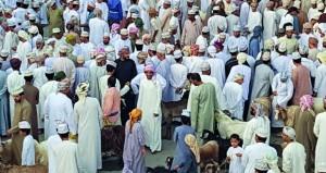 حركة نشطة تشهدها هبطات عيد الفطر بمختلف ولايات السلطنة