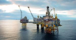أسعار النفط عالقة عند نطاق ضيق نسبيا قبل اجتماع أوبك والذهب يستقر عند 1300 دولار للأونصة