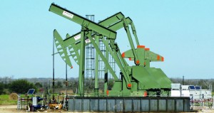 الخام العُماني يصعد 73 سنتا وأسعار النفط ترتفع بانخفاض المخزونات الأميركية
