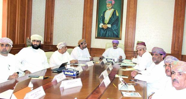 اللجنة الفنية بالإسكان تناقش عددا من المشاريع الاستثمارية