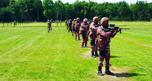 فريق قوات السلطان المسلحة للرماية يبدأ المشاركة في (دولية بزلي)