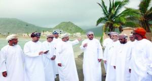 رئيس بلدية ظفار يزور ولايتي رخيوت وضلكوت والنيابات التابعة لهما