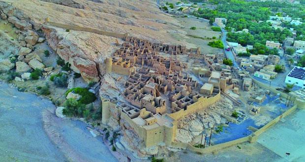 244 قرية بعبري تزخر بالحضارة والأفلاج والعيون والأشجار والنخيل الممتدة لآلاف السنين