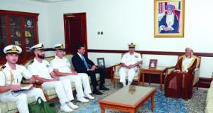 نائب محافظ مسقط يستقبل قائد القوة البحرية الإيطالية