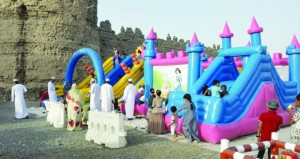فعاليات ترفيهية متنوعة في مهرجان العيد للأطفال بقرية الوشيل بالرستاق