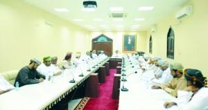 اجتماع لمناقشة وضع مركز البلدية الترفيهي بعد الأنواء المناخية