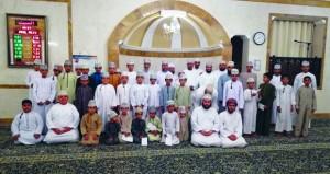 تكريم المشاركين في مسابقة جامع الشريعة للقرآن الكريم في نسختها الثانية بسمائل
