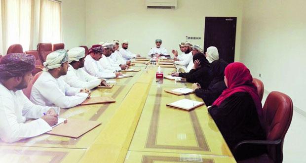 اجتماع لجنة التنمية الاجتماعية بالسويق
