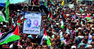 شهيد برصاص الاحتلال في الخليل .. وغزة تودع الشهيدة النجار