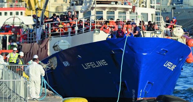 تونس ترفض إقامة مخيمات للمهاجرين غير الشرعيين