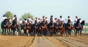 نادي الأصايل بجعلان بني بوعلي ينظم مهرجانا رياضيا لفنون الخيل