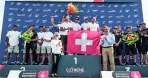 """فريق """"الطيران العُماني"""" يتوج بالمركز الثاني بسباق الإكستريم برشلونة"""