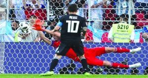 في كأس العالم .. التكنولوجيا مع فرنسا وآيسلندا تفرض التعادل على الأرجنتين